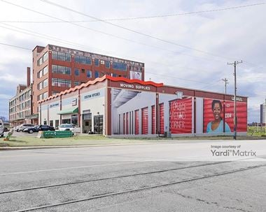 Storage Units for Rent available at 137 West Illinois Avenue, Memphis, TN 38106 Photo Gallery 1
