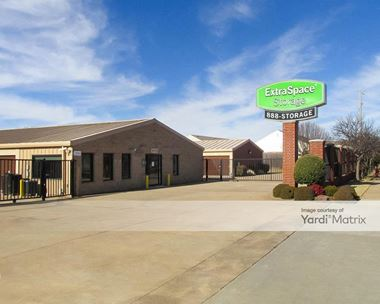 Storage Units for Rent available at 2100 24th Avenue SE, Norman, OK 73071