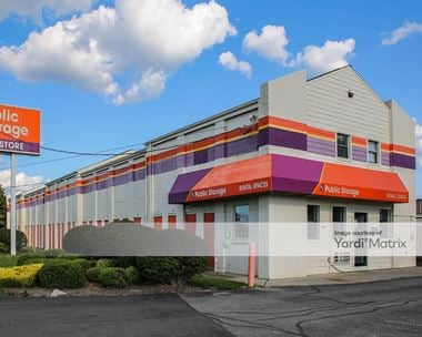 Storage Units for Rent available at 2555 East Kemper Road, Cincinnati, OH 45241
