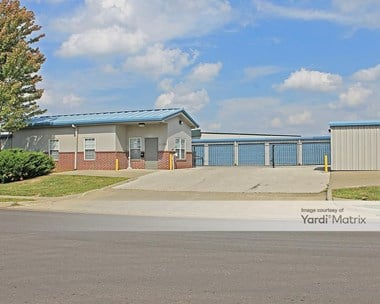 Storage Units for Rent available at 6501 Royal Street, Pleasant Valley, MO 64068 Photo Gallery 1