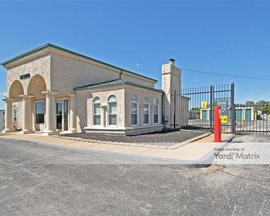 Storage Units for Rent available at 14300 East Frontage Road, Grandview, MO 64030