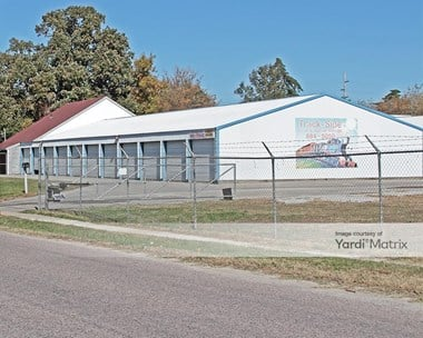 Storage Units for Rent available at 801 North Lexington Street, Harrisonville, MO 64701 Photo Gallery 1