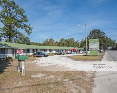 Storage Units for Rent available at 5920 Savannah Hwy, Ravenel, SC 29470 Photo Gallery 1
