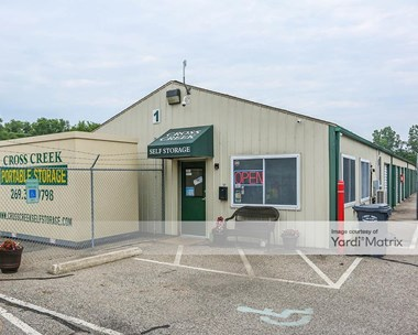 Image for Cross Creek Self Storage - 800 Gladys Street, MI
