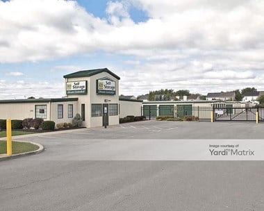 Storage Units for Rent available at 1160 Southwestern Blvd, West Seneca, NY 14224 Photo Gallery 1