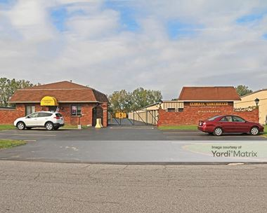 Storage Units for Rent available at 45 Gardenville Pkwy, West Seneca, NY 14224