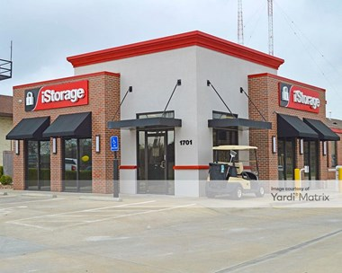 Storage Units for Rent available at 1701 North Rock Road, Wichita, KS 67206 Photo Gallery 1