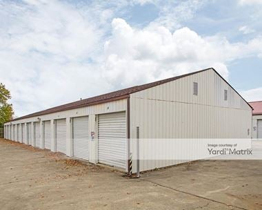 Storage Units for Rent available at 619 Industrial Pkwy, Newark, OH 43056 Photo Gallery 1