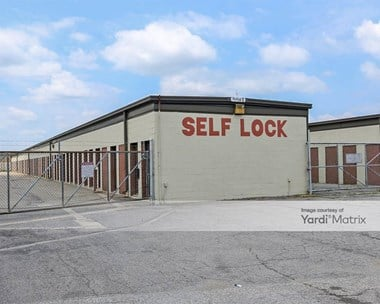 Storage Units for Rent available at 1201 East Commonwealth Drive, Mishawaka, IN 46544 Photo Gallery 1