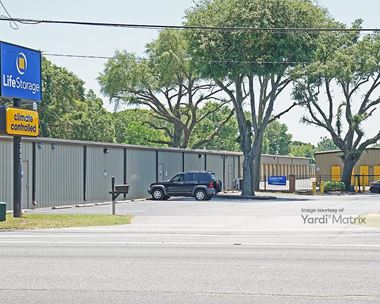 Storage Units for Rent available at 2807 West Michigan Avenue, Pensacola, FL 32526