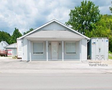 Storage Units for Rent available at 1914 Cumberland Street, Clayton, IN 46118 Photo Gallery 1
