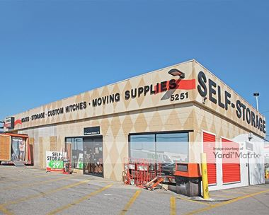 Storage Units for Rent available at 5251 North Keystone, Indianapolis, IN 46220 Photo Gallery 1