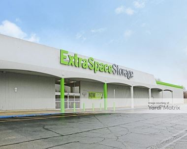 Storage Units for Rent available at 3469 South High Street, Columbus, OH 43207 Photo Gallery 1