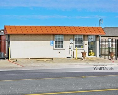 Storage Units for Rent available at 4220 West State Highway 31, Corsicana, TX 75110