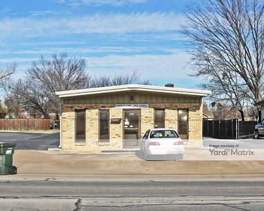 Storage Units for Rent available at 106 West 1st Avenue, Corsicana, TX 75110 Photo Gallery 1