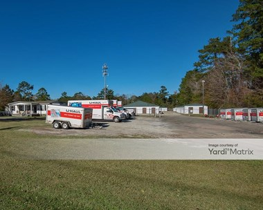 Storage Units for Rent available at 1205 Central Avenue, Summerville, SC 29483 Photo Gallery 1