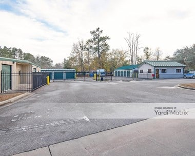 Storage Units for Rent available at 864 Orangeburg Road, Summerville, SC 29483 Photo Gallery 1