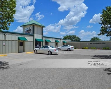 Storage Units for Rent available at 7617 University Avenue, Lubbock, TX 79423 Photo Gallery 1