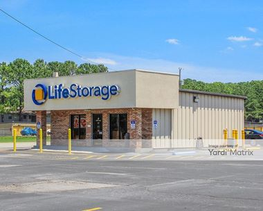 Storage Units for Rent available at 11607 South Memorial Pkwy, Huntsville, AL 35803