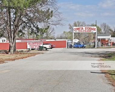 Storage Units for Rent available at 30061 State Highway 51, Coweta, OK 74429 Photo Gallery 1