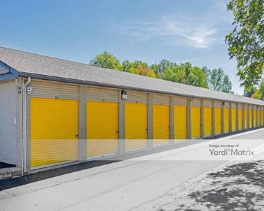 Storage Units for Rent available at 3942 Youngstown Road SE, Warren, OH 44484