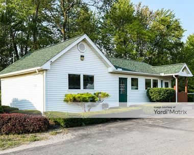 Storage Units for Rent available at 1320 North Belsay Road, Burton, MI 48509