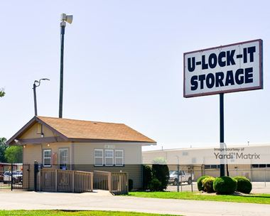 Storage Units for Rent available at 360 Celtic Drive, Madison, AL 35758