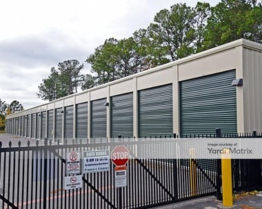 Storage Units for Rent available at 6756 Gordon Road, Wilmington, NC 28411 Photo Gallery 1
