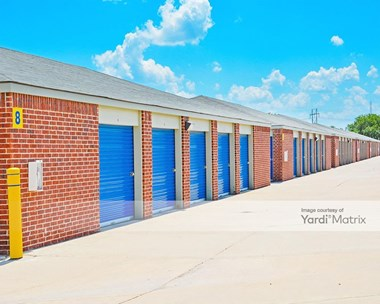 Storage Units for Rent available at 433 East 61st Street North, Park City, KS 67219 Photo Gallery 1