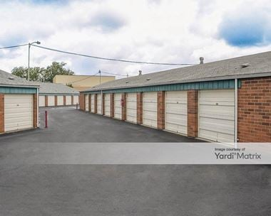 Storage Units for Rent available at 263 SW Queen Avenue, Albany, OR 97322