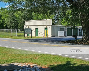 Storage Units for Rent available at 806 North Maple Street, Simpsonville, SC 29681 Photo Gallery 1