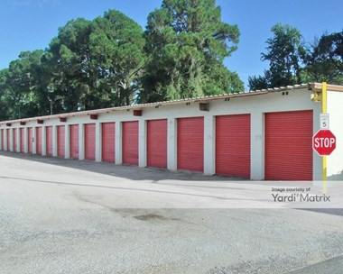 Storage Units for Rent available at 220 Santa Rosa Street SW, Fort Walton Beach, FL 32548 Photo Gallery 1