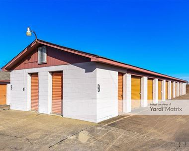 Storage Units for Rent available at 2001 Alverson Drive, Paris, KY 40361 Photo Gallery 1