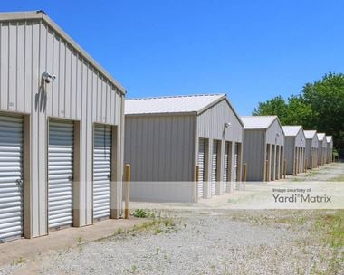 Storage Units for Rent available at 4801 East County Road 67, Chesterfield, IN 46017