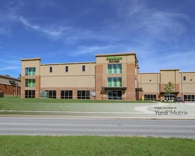Storage Units for Rent available at 2801 North Hurstbourne Pkwy, Louisville, KY 40220 Photo Gallery 1