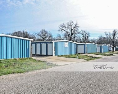 Storage Units for Rent available at 215 South Bois D, Hillsboro, TX 76645 Photo Gallery 1