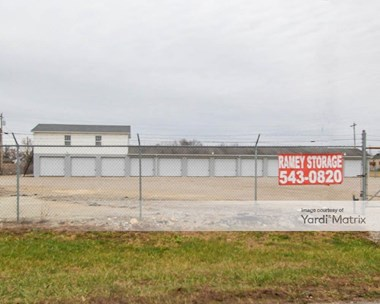Storage Units for Rent available at 384 South Lakeview Drive, Shepherdsville, KY 40165 Photo Gallery 1