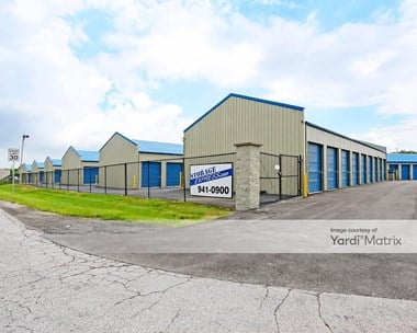 Storage Units for Rent available at 850 Progress Blvd, New Albany, IN 47150 Photo Gallery 1