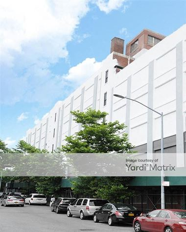 Storage Units for Rent available at 950 University Avenue, Bronx, NY 10452 Photo Gallery 1