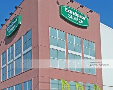 Storage Units for Rent available at 3450 Baychester Avenue, Bronx, NY 10475 Photo Gallery 1