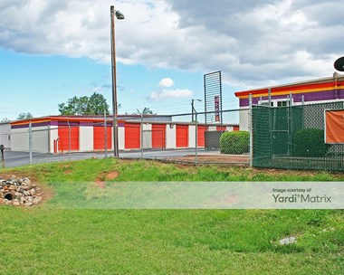 Storage Units for Rent available at 28 Woods Lake Road, Greenville, SC 29607 Photo Gallery 1