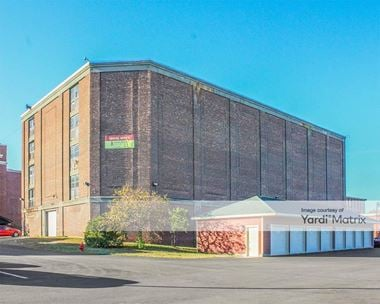 Storage Units for Rent available at 1 Broadway Self Storage, Albany, NY 12204
