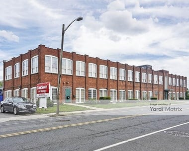 Storage Units for Rent available at 806 Windsor Street, Hartford, CT 06120 Photo Gallery 1
