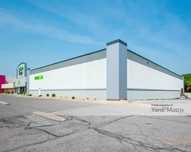 Storage Units for Rent available at 1750 Highway 36 West, Roseville, MN 55113 Photo Gallery 1